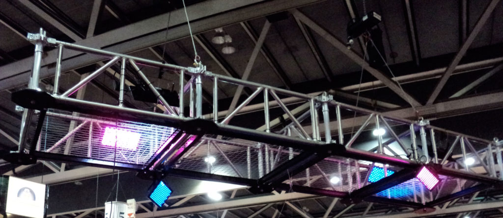 SkyDeck™ Outfitted in a Green Bed Truss Display